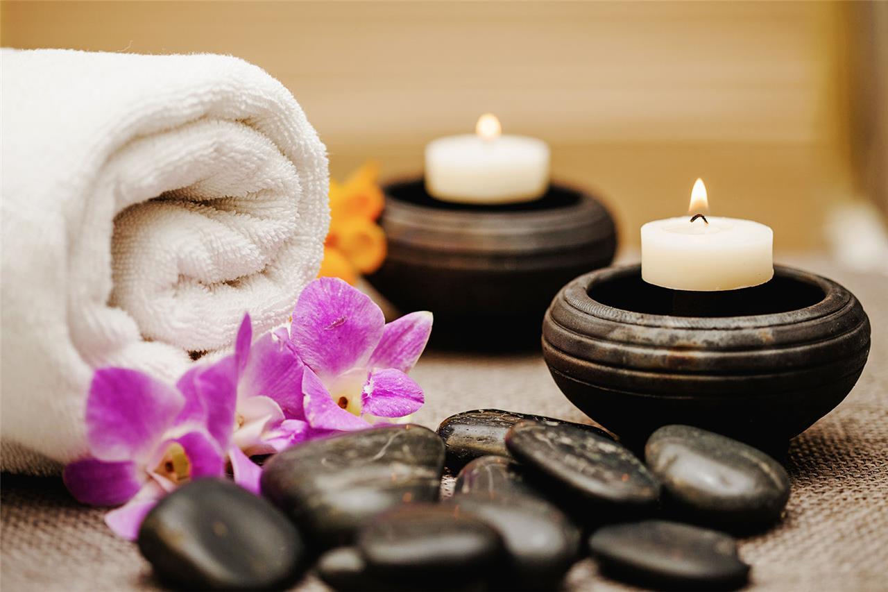 Que se passe-t-il lors d'un massage aux pierres chaudes ?