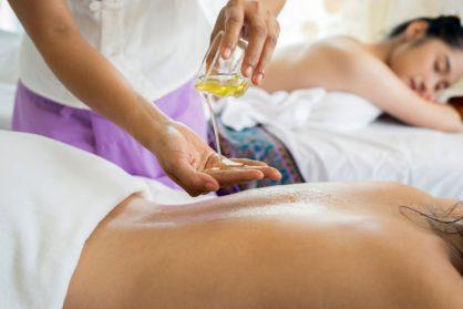 Idées de massage que vous pourriez réaliser dans l'une de nos chambres avec spa jacuzzi